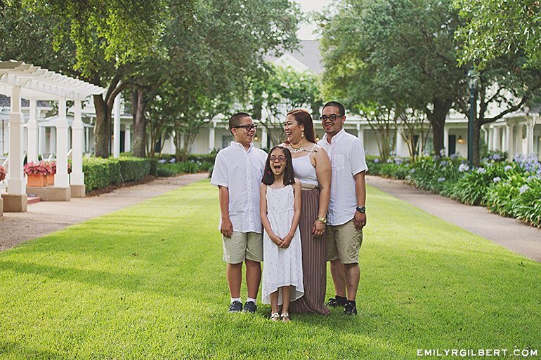 walt disney world family portraits - orlando portrait photographer - emilyrgilbert.com